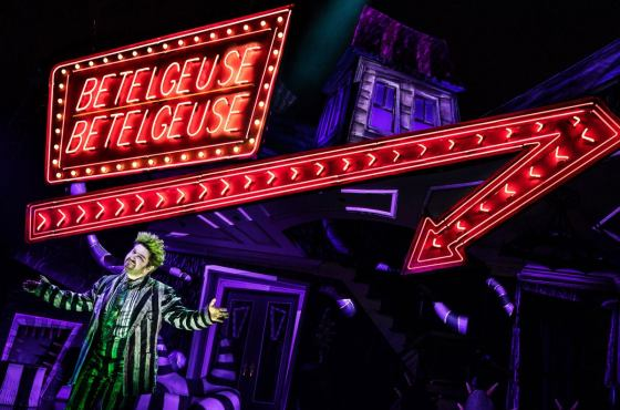 Alex Brightman as Beetlejuice | Photo © Matthew Murphy
